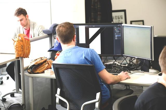 korzystanie w wirtualnego biura