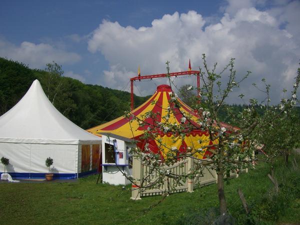 namioty imprezowe do wynajęcia