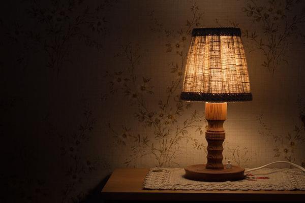 małe nowoczesne lampki nocne