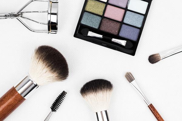 tanie sklepy internetowe z kosmetykami